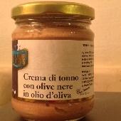 Crème de Thon avec les Olives noires dans l'huile d'olive