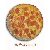 Fouace de Altamura des Pouilles à la tomate fraîche