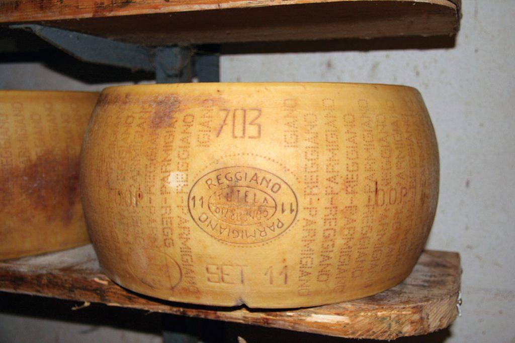 Forme enti�re Parmigiano Reggiano